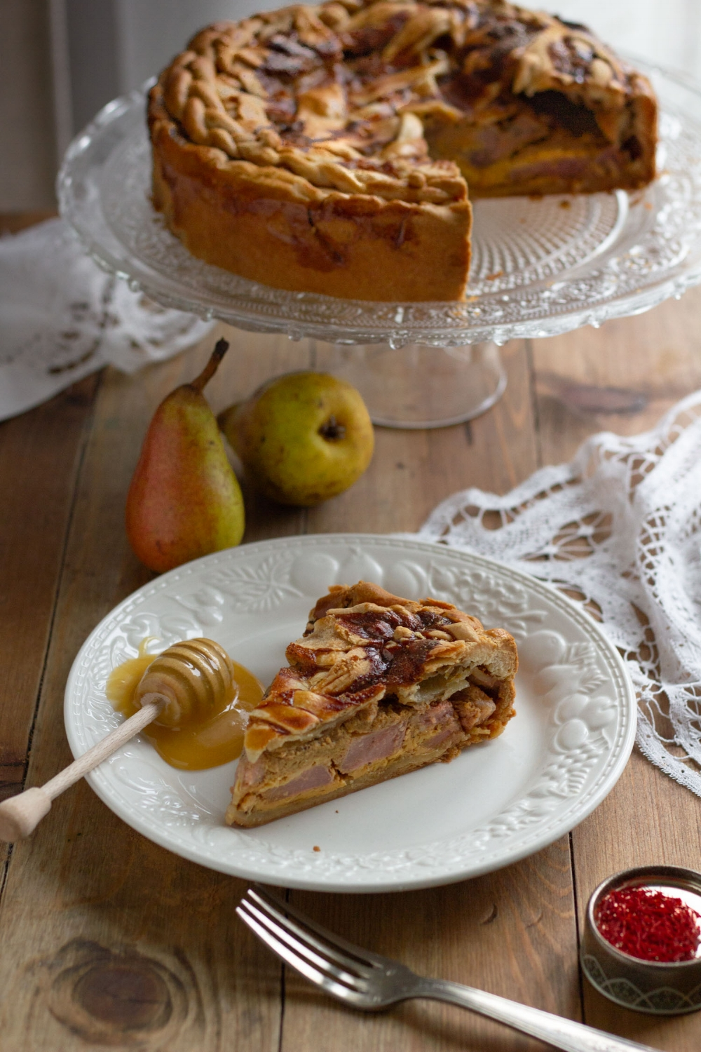 honey-saffron-pear-pie