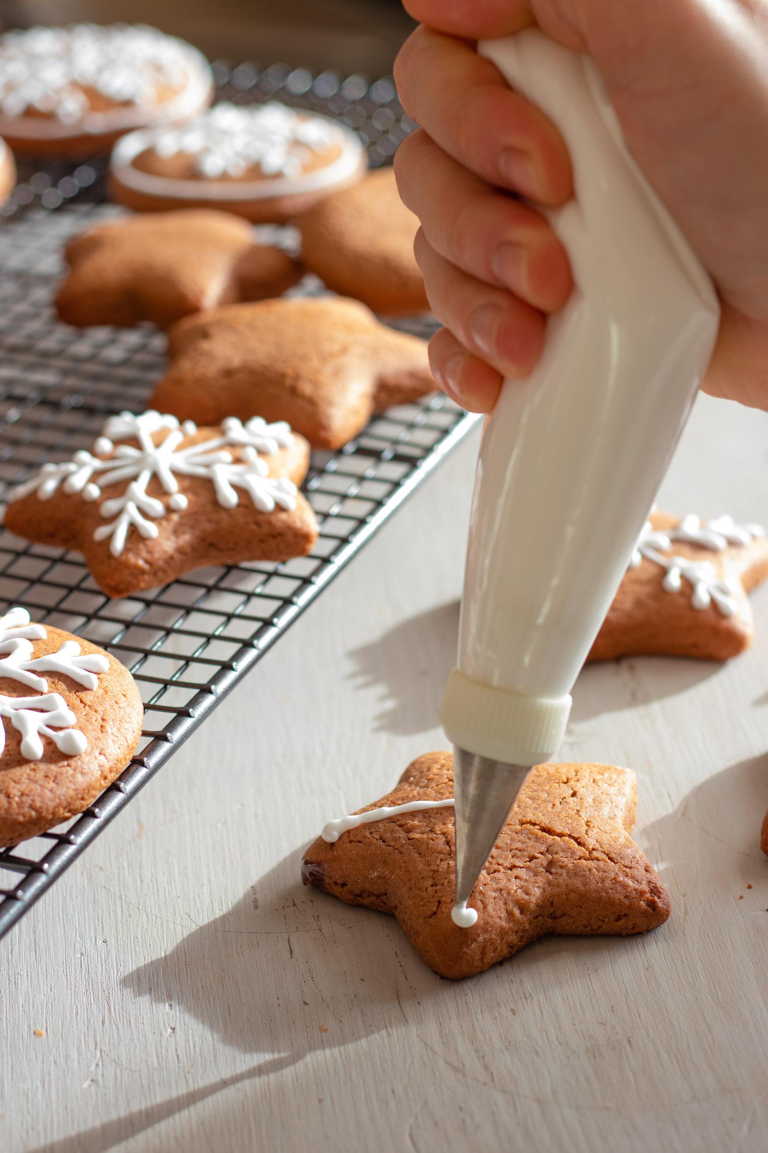 decorating-lebkuchen