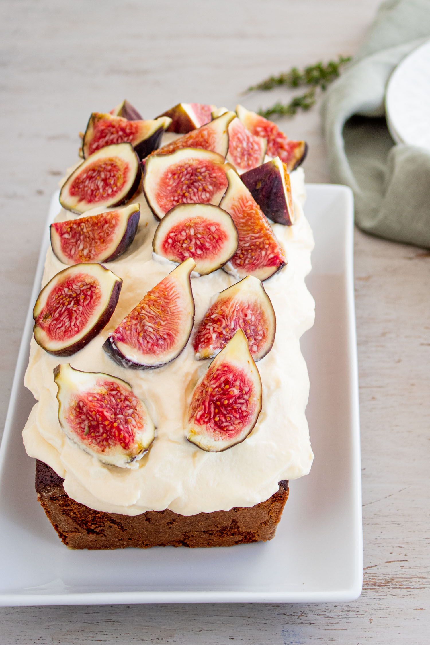 olive-oil-cake-and-mascarpone-frosting