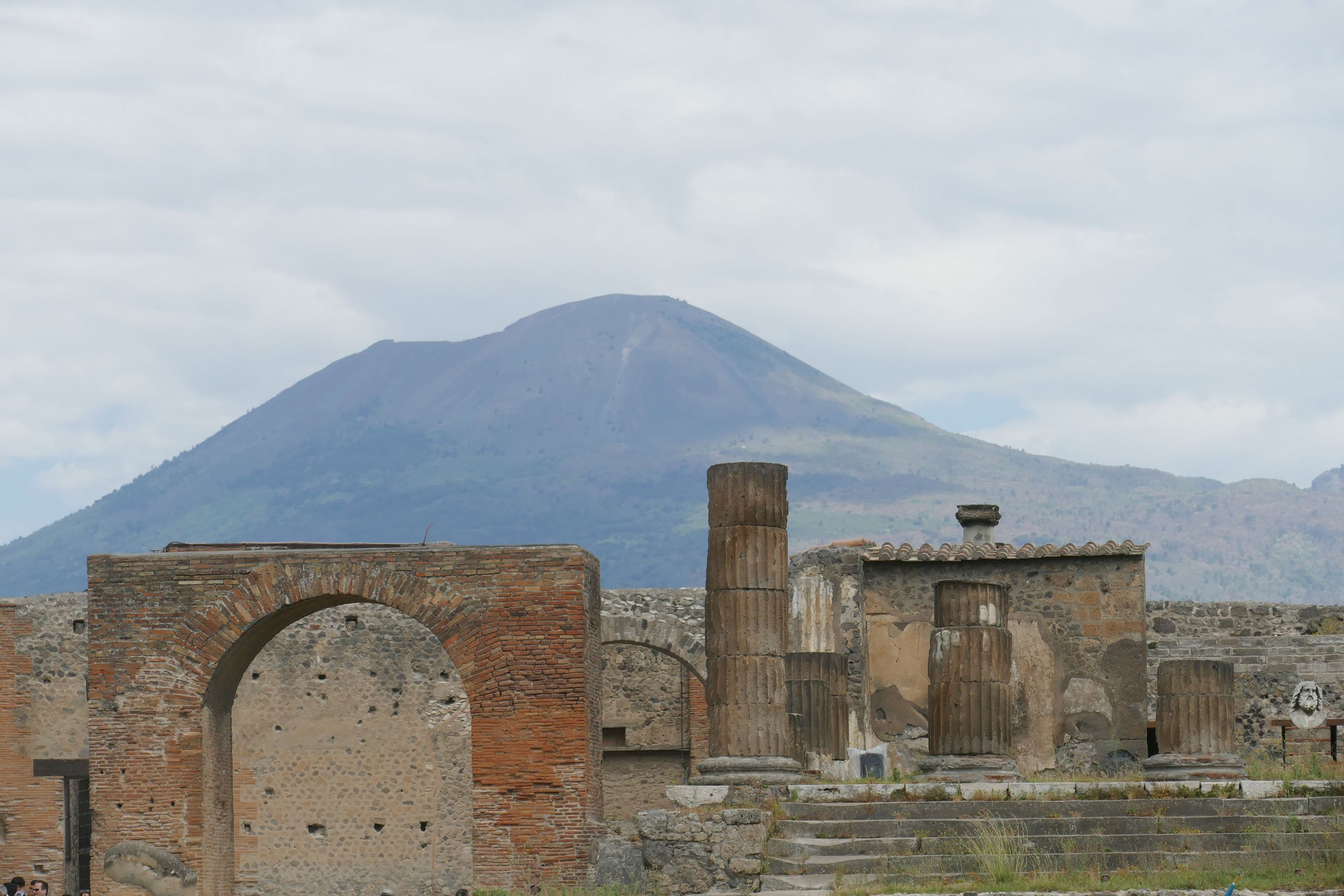 Pompeii and Mt Vesuvius.jpg
