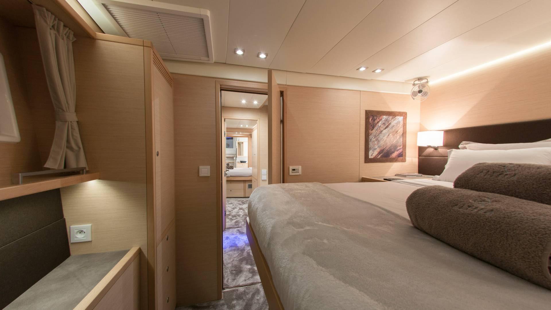 yacht-rents-greece-islands-l.jpg