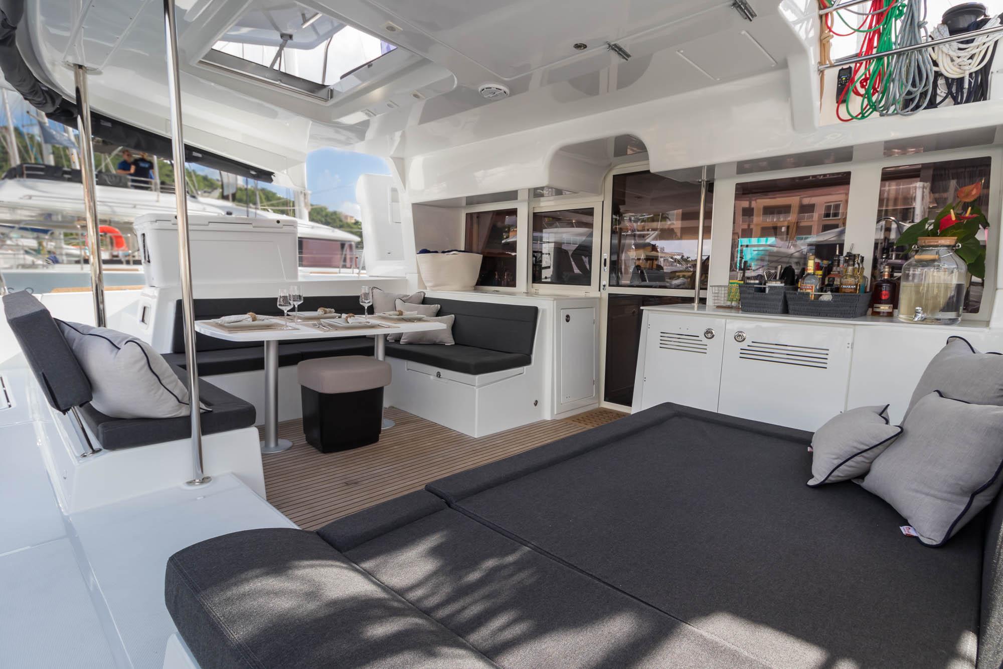Flotation Therapy-Lagoon 450 charter catamaran-outdoor dining