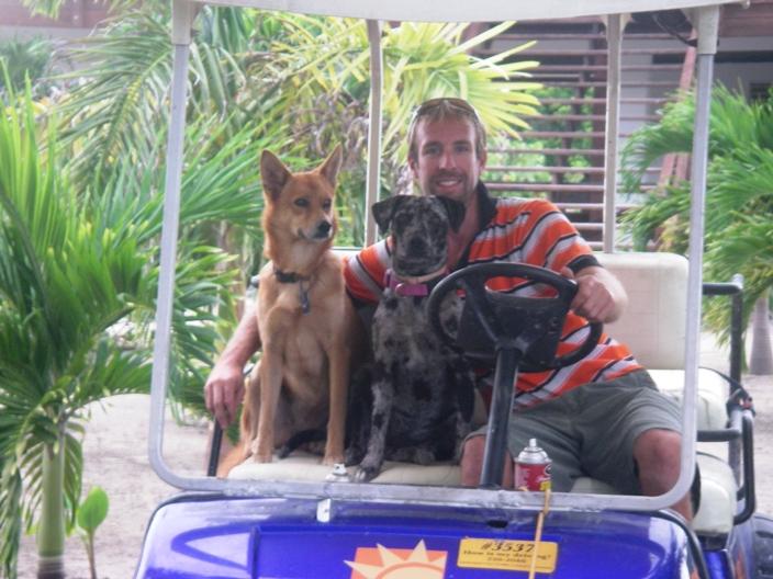Jason, Pivo & Chica-Belize