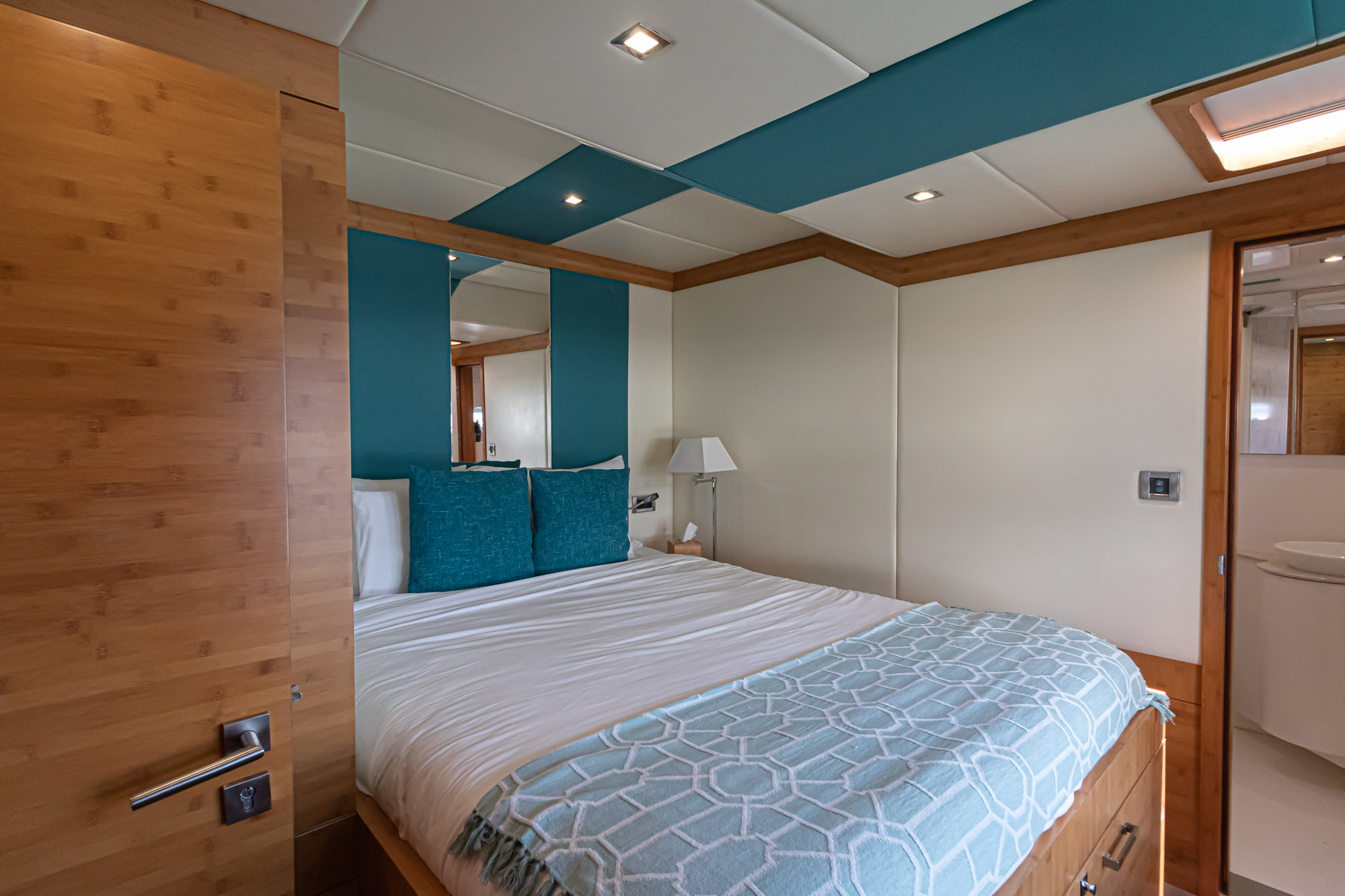 Excess-Sunreef 70' VIP Cabins
