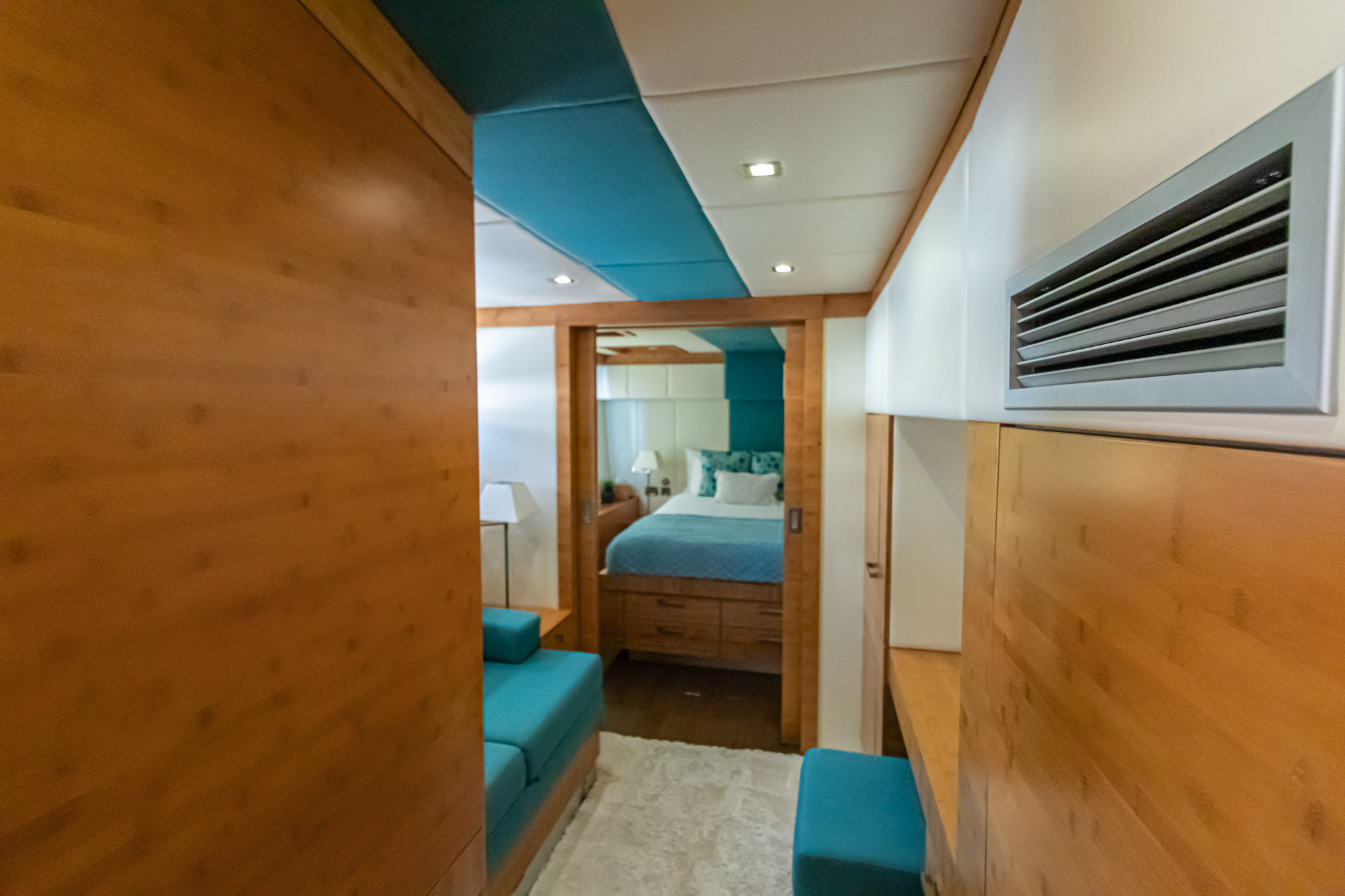 Excess-Sunreef 70'-Separate Pullman