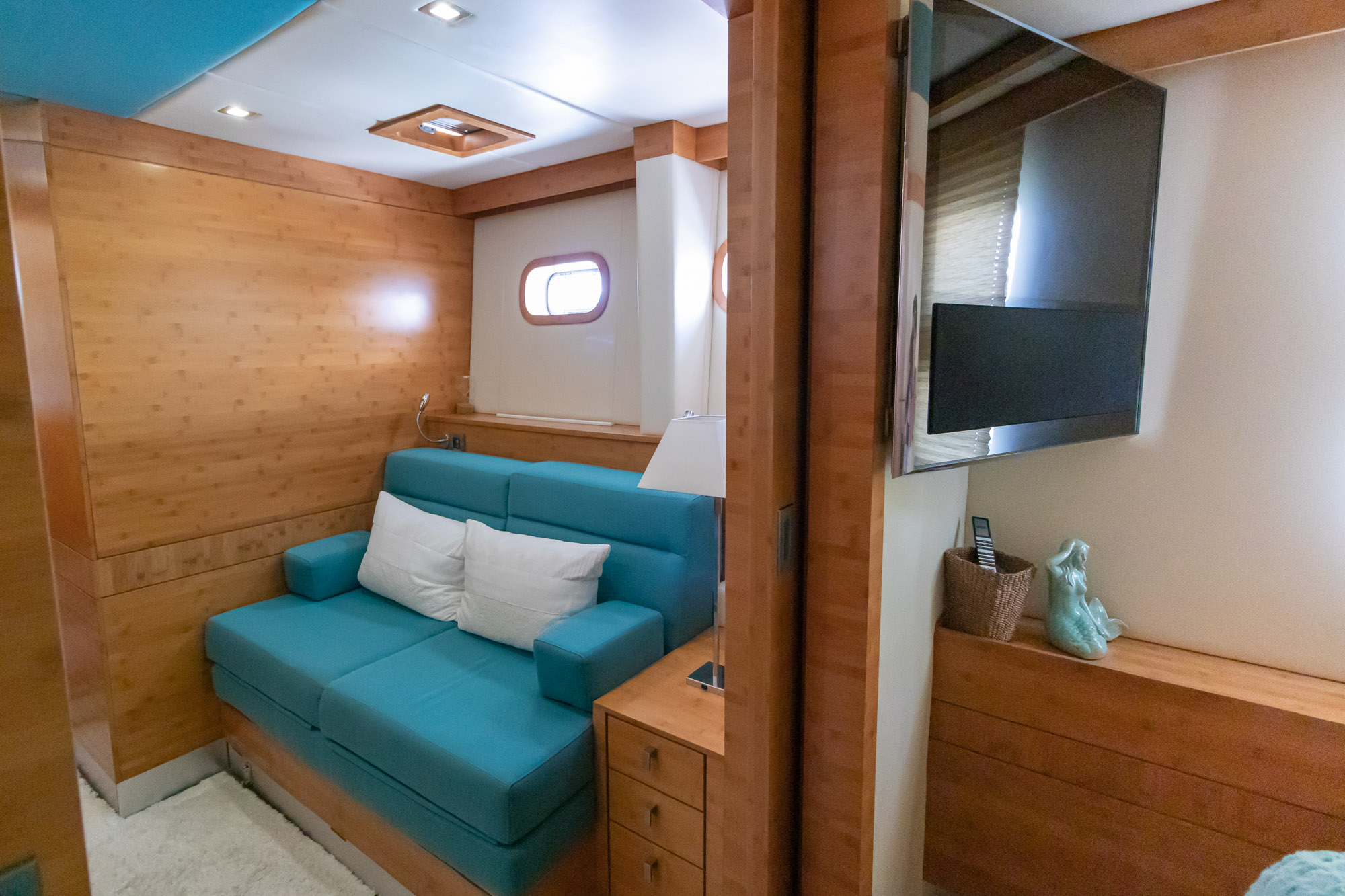Excess -Master Cabin-additional bed