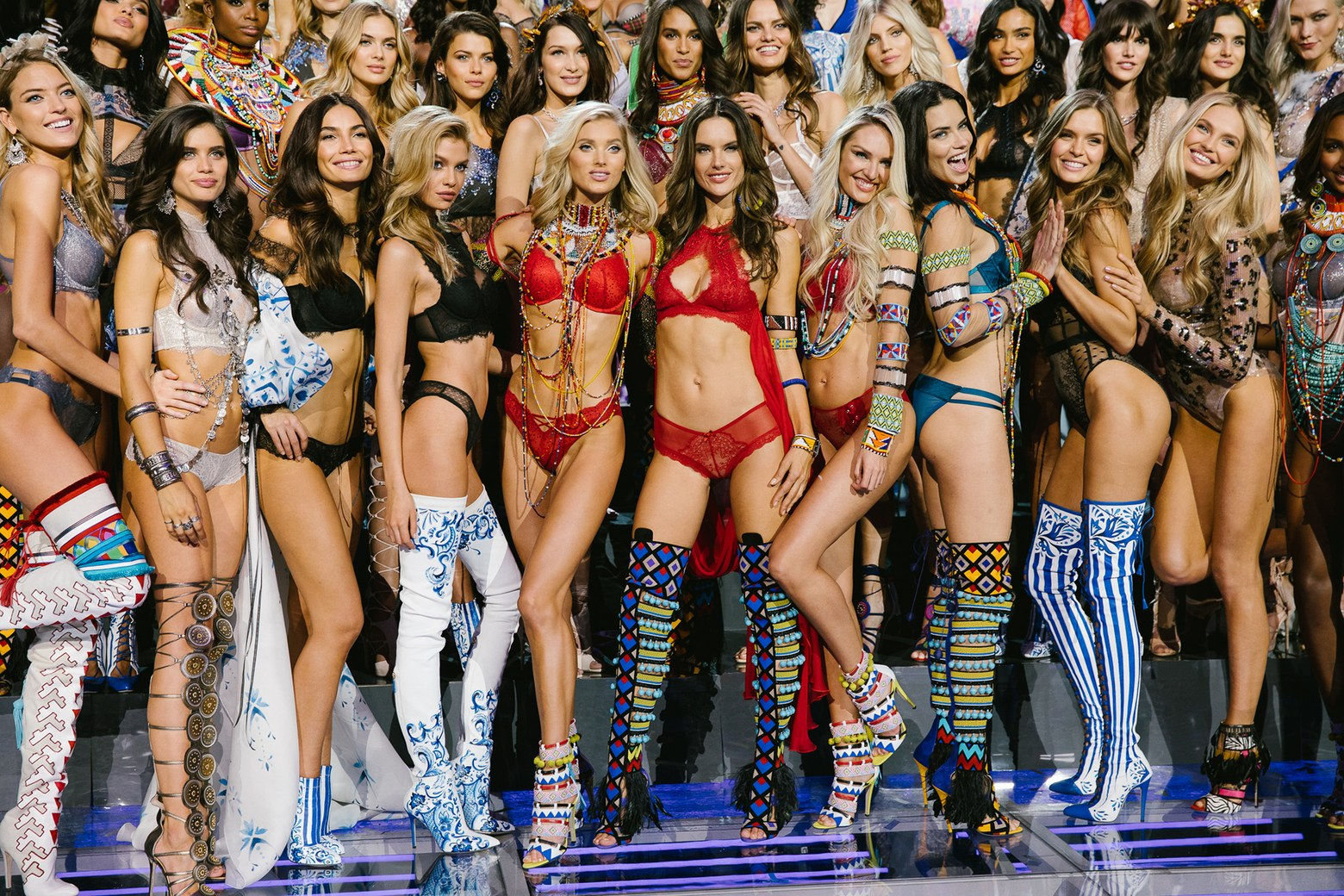 Victoria's Secret Fashion Show 2017  Photo: Corey Tenold