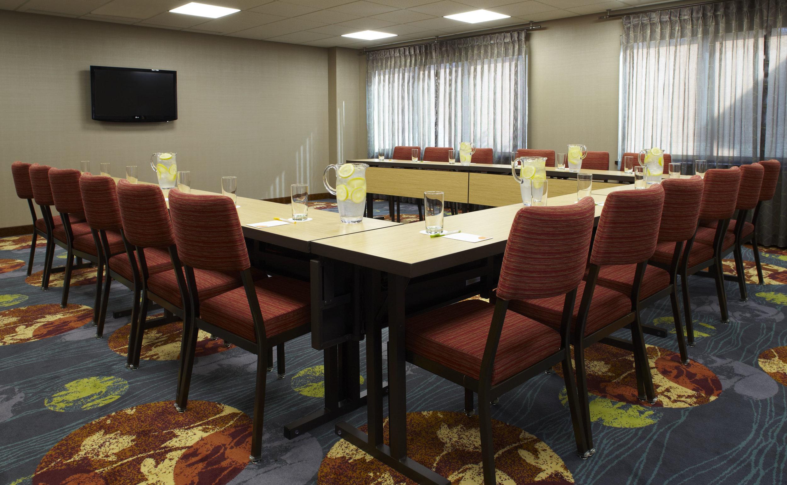 Ithaca_Courtyard_meetingroom.jpg