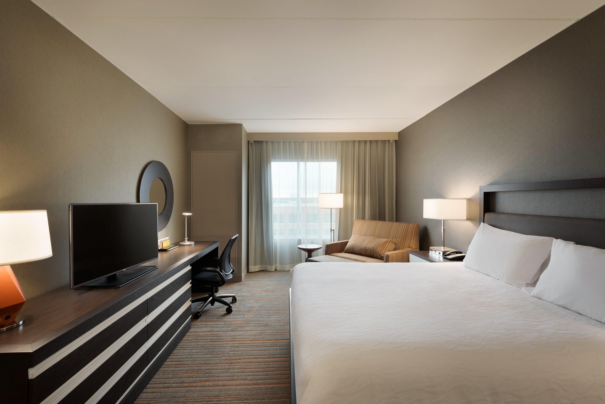 Hilton Garden Inn Rochester University & Medical Center - 1 King Guestroom - 1049729.jpg
