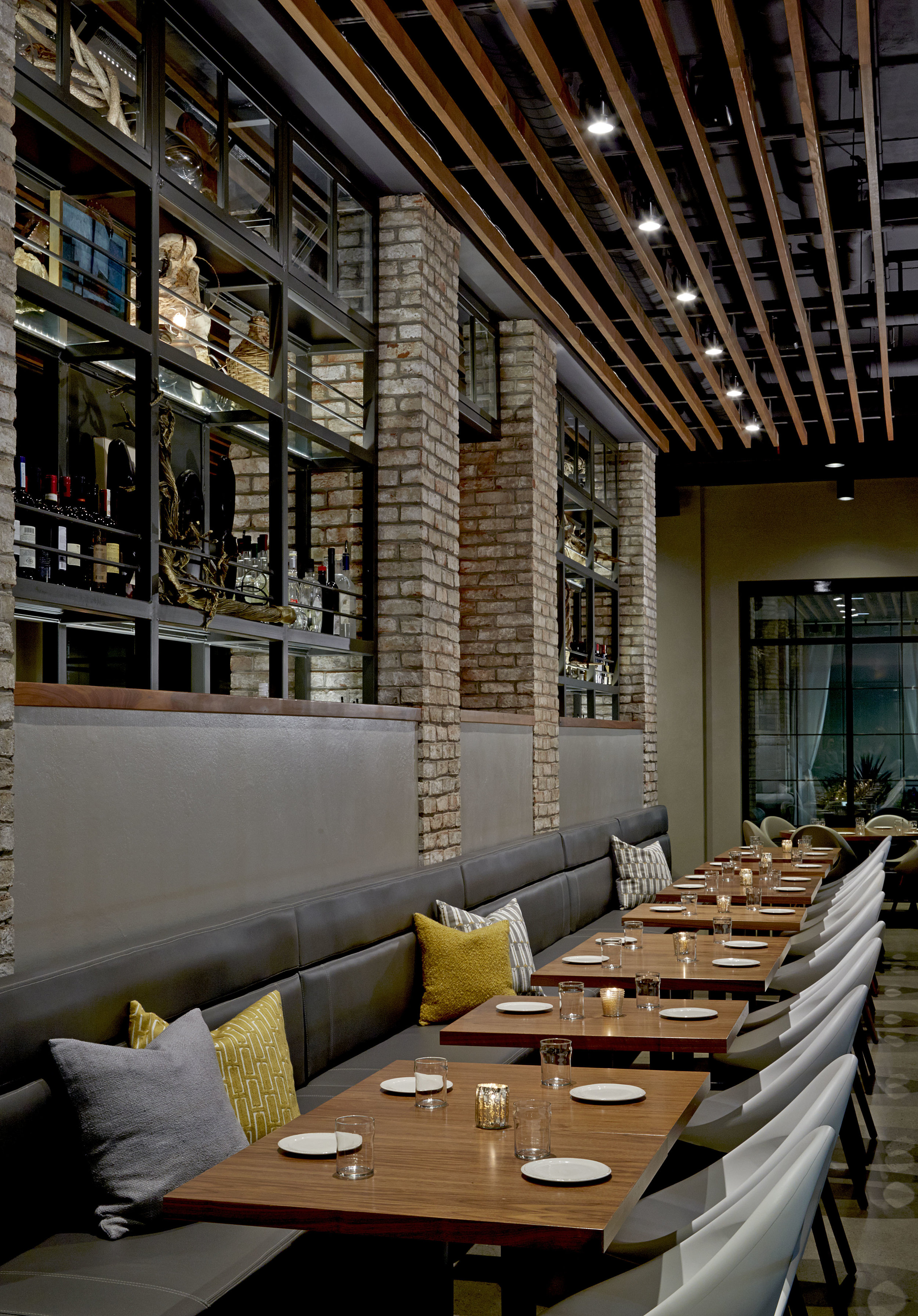 HGI_Grappa_Restaurant5.jpg