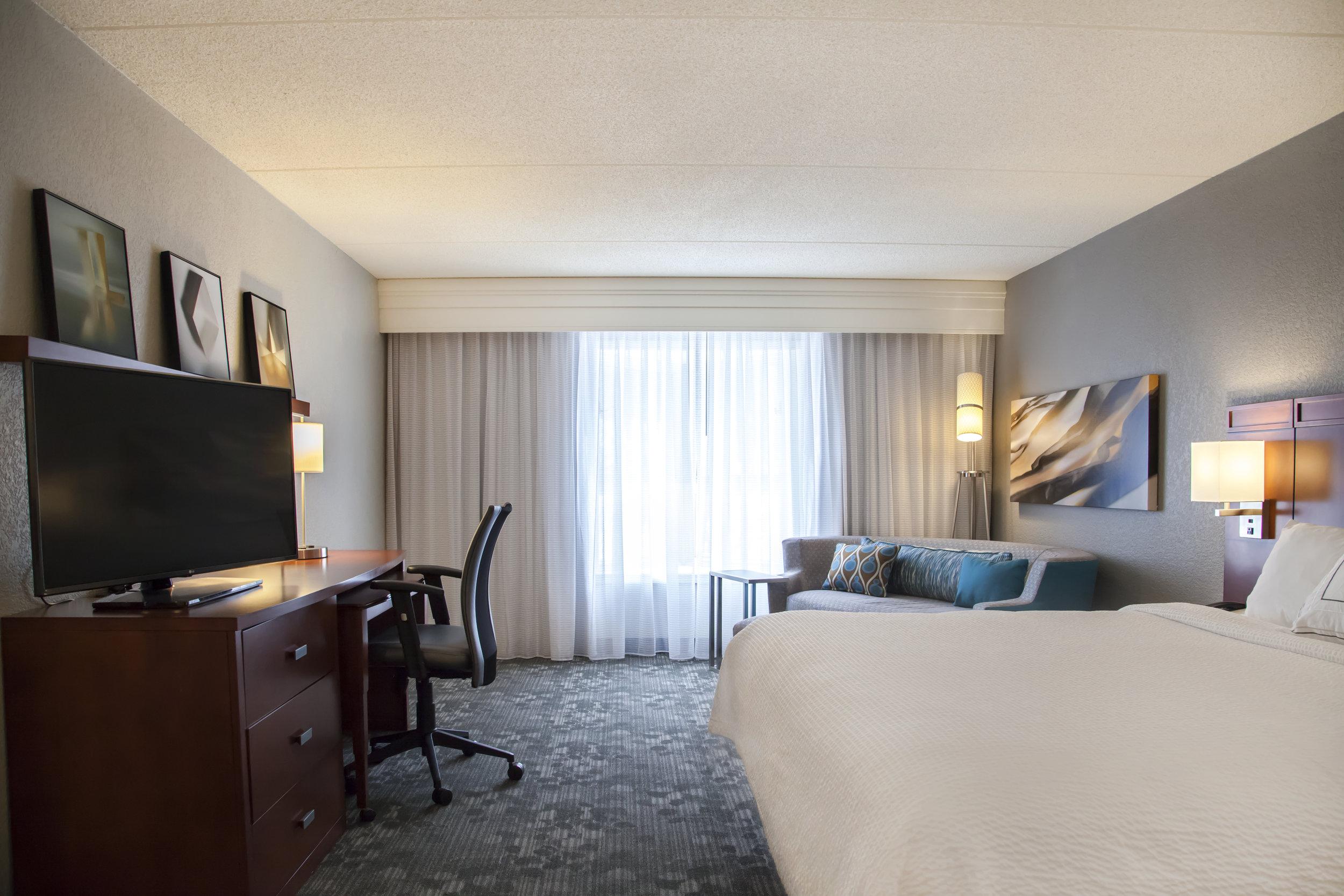 King Guest Room.jpg