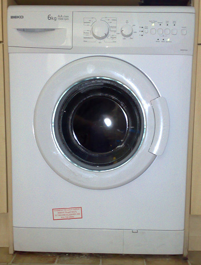 In case you aren't sure what a washing machine looks like.  Photo  by Mark Hillary /  CC