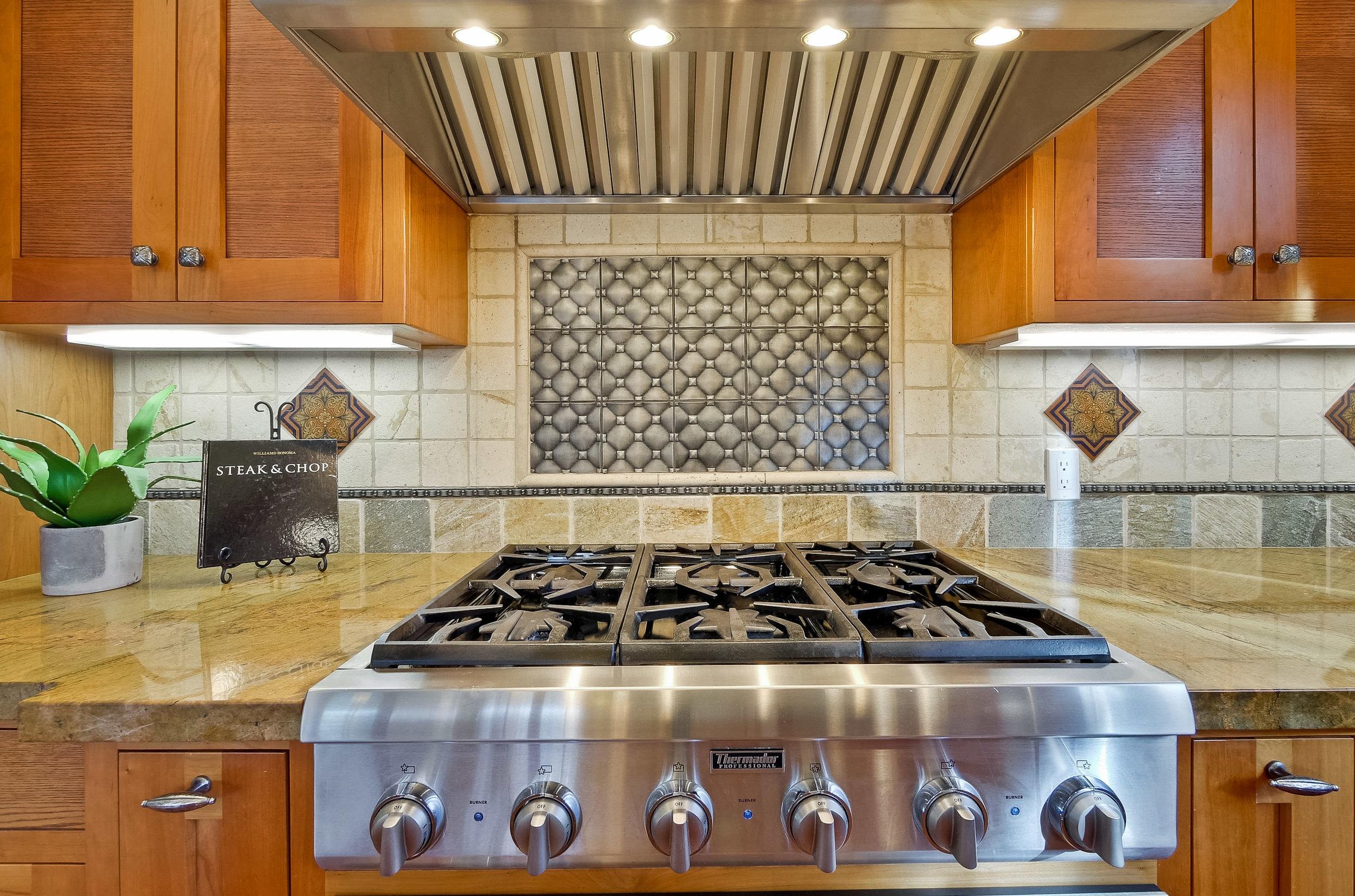 06e_Kitchen      10.jpg