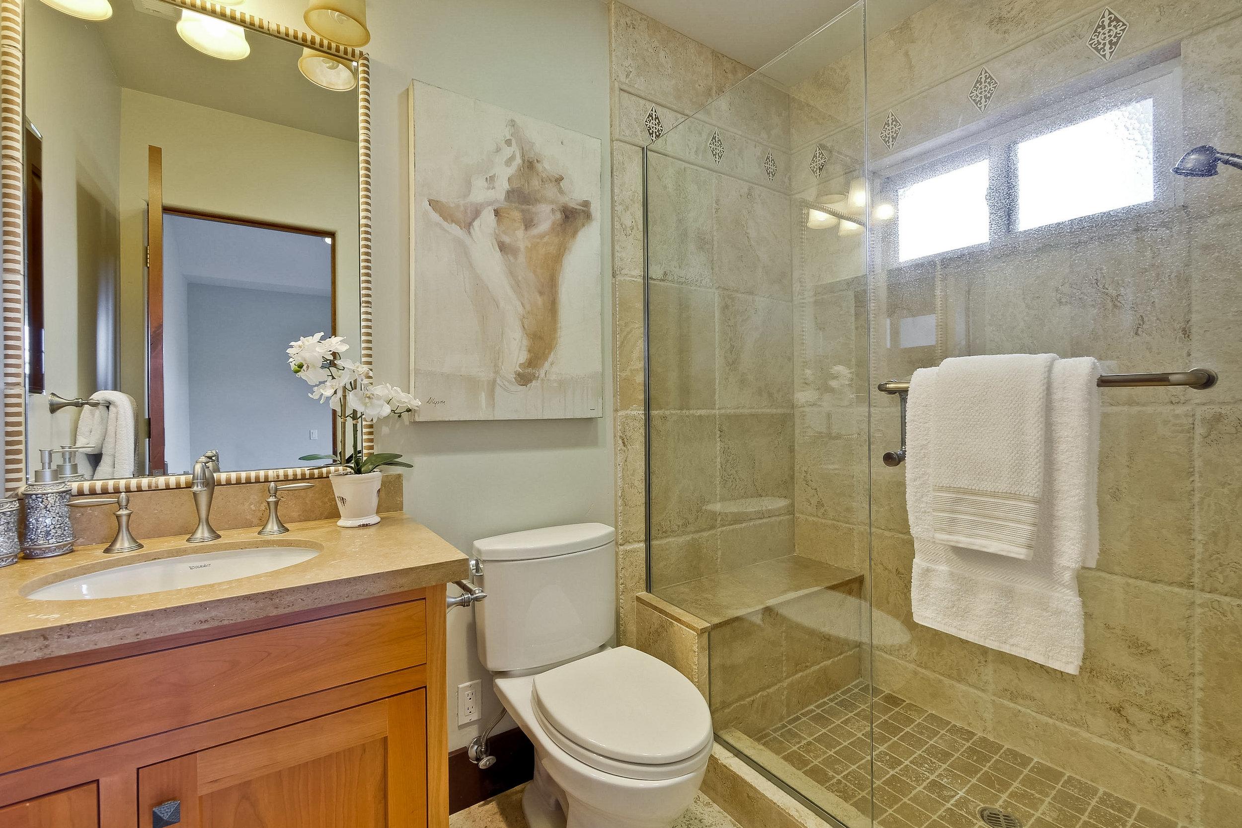 11d_Bathroom      3.jpg