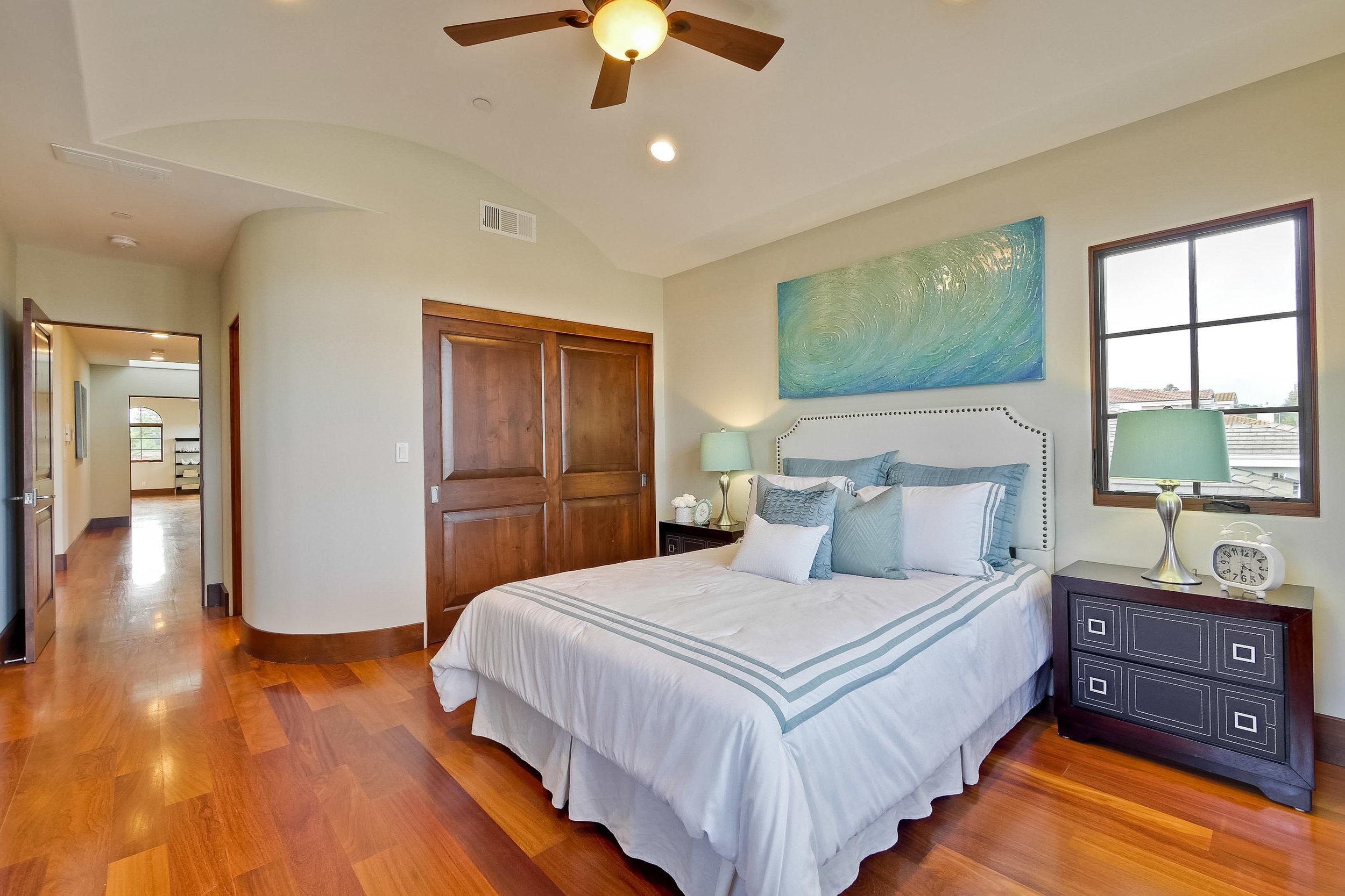 10d_Bedroom      2.jpg