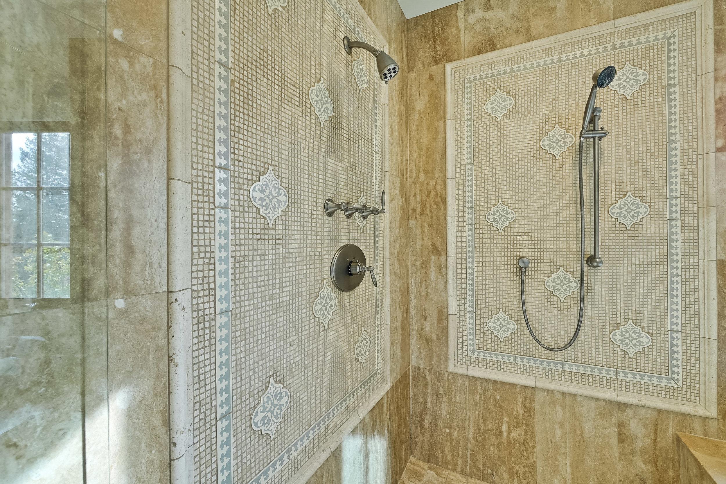 09f_Master Bathroom      5.jpg