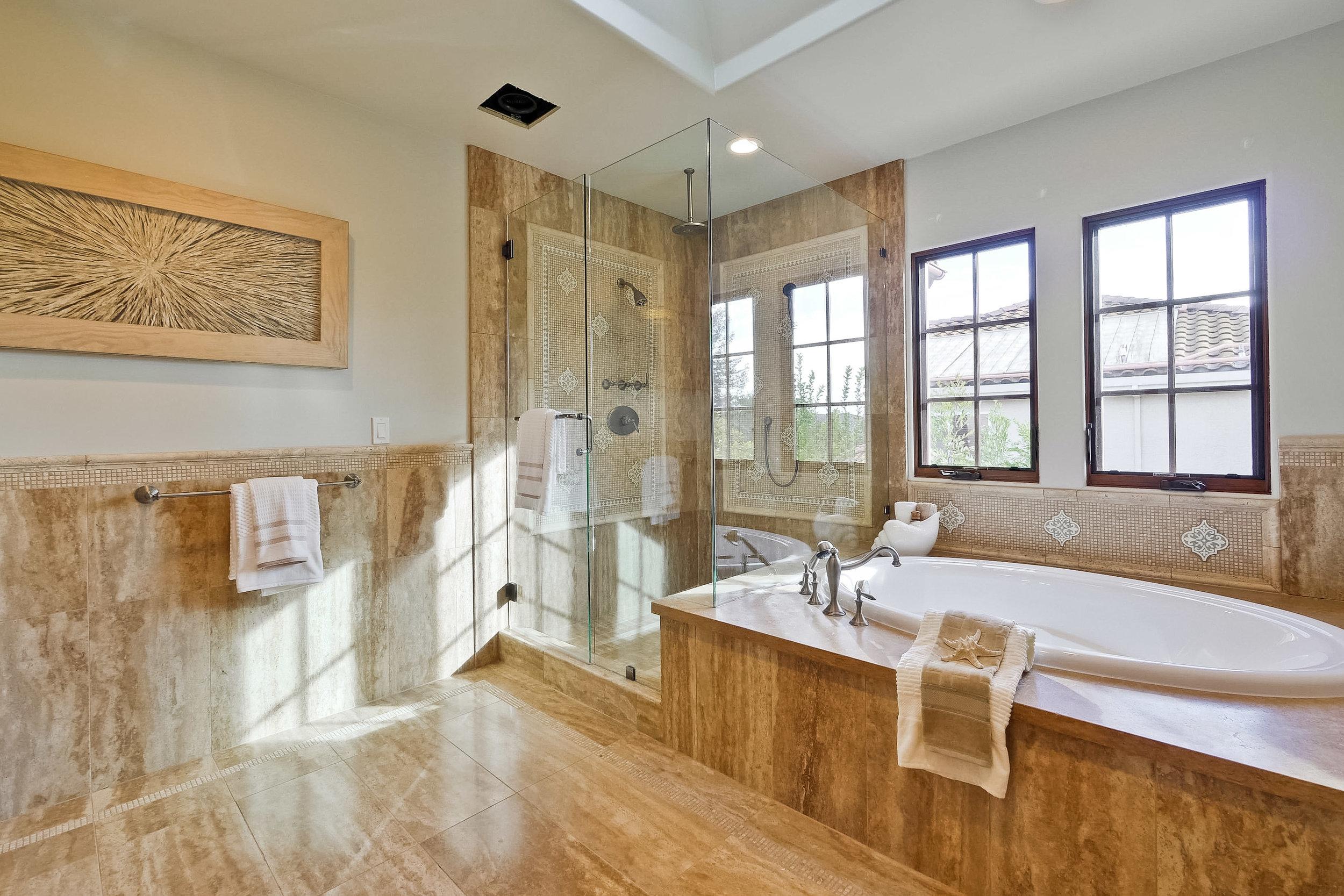 09e_Master Bathroom      3.jpg