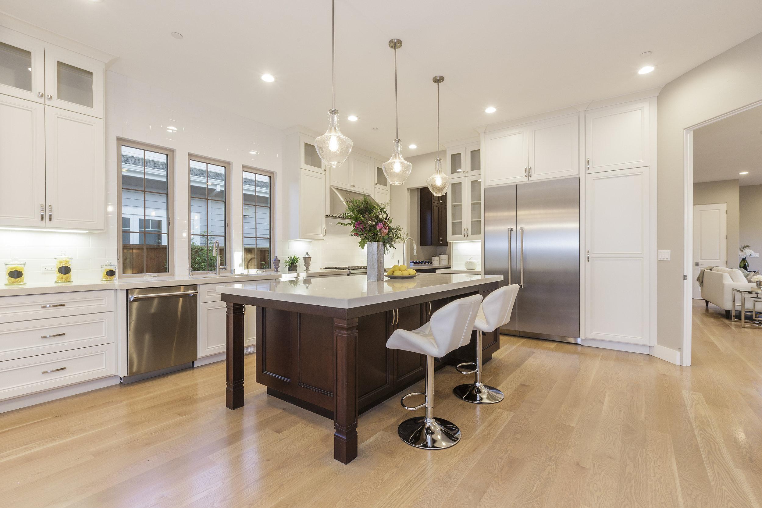 007-21825-Lomita-kitchen-high-res.jpg