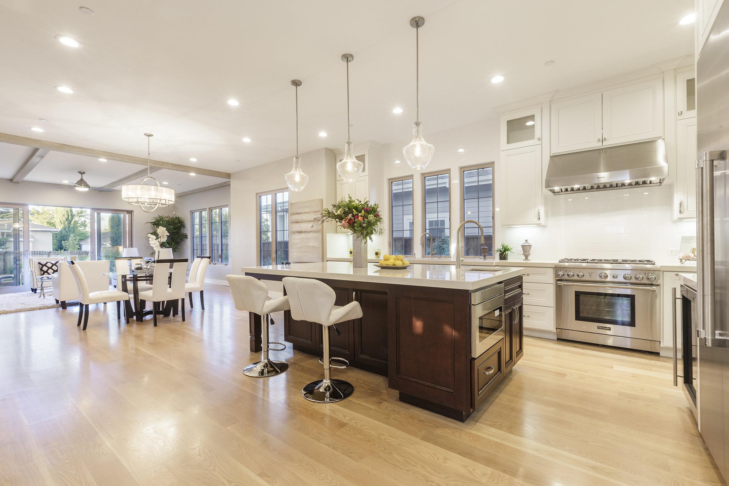 008-21825-Lomita-kitchen-high-res.jpg