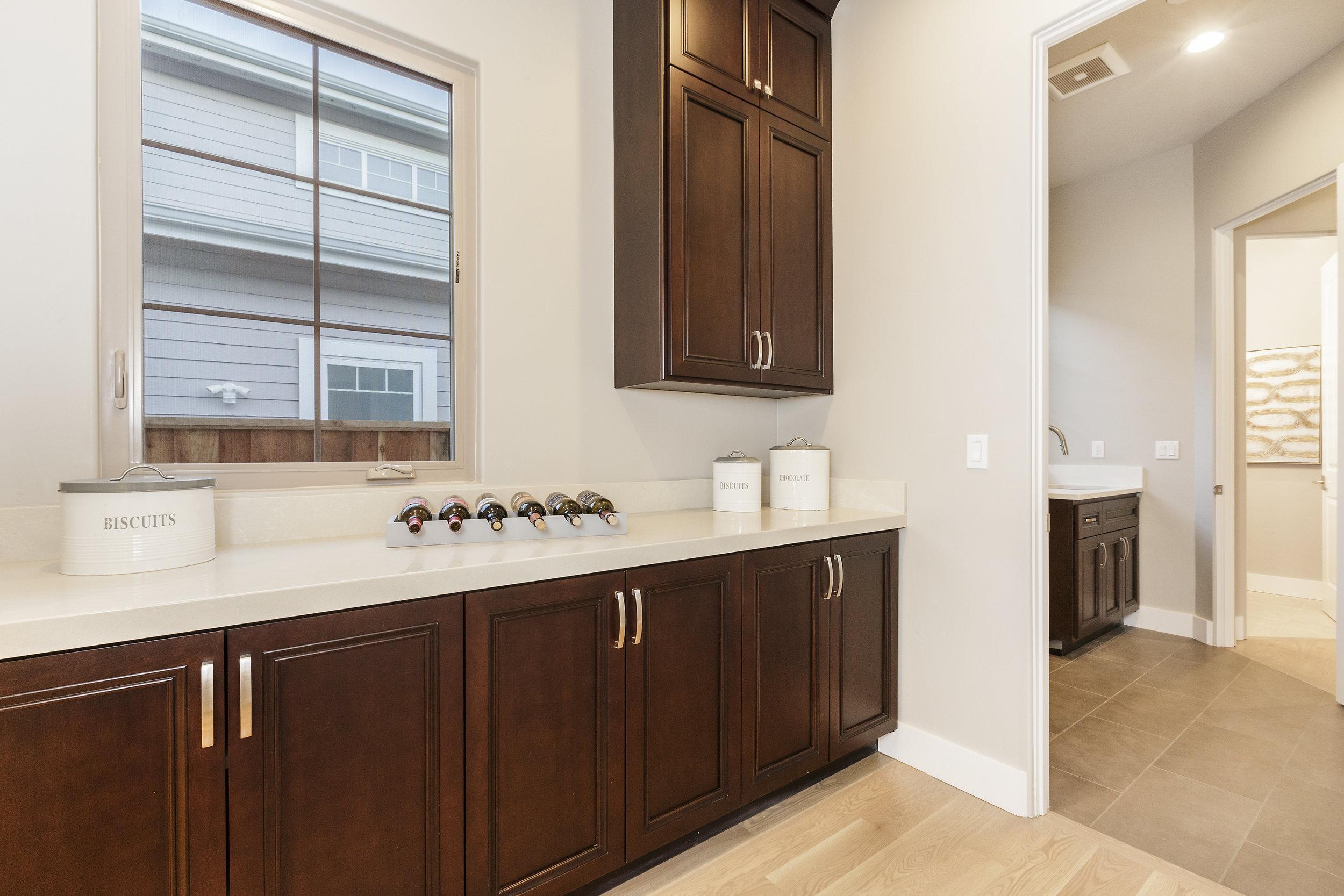 012-21825-Lomita-kitchen-high-res.jpg