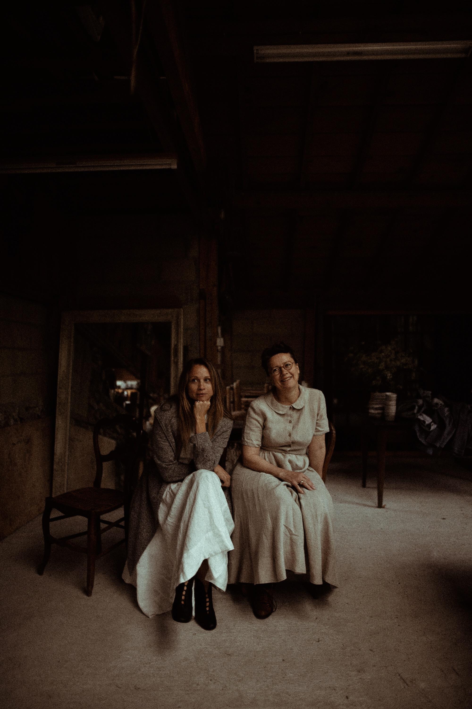 Mandy & Sessil - portrait