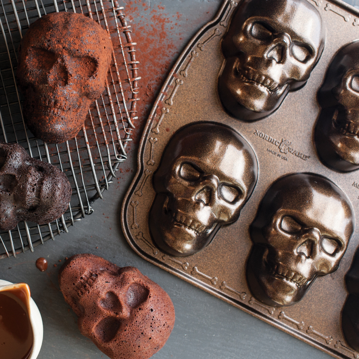 Katie Lee's Green Chicken Chili Recipe. Skull Cakelet by NordicWare