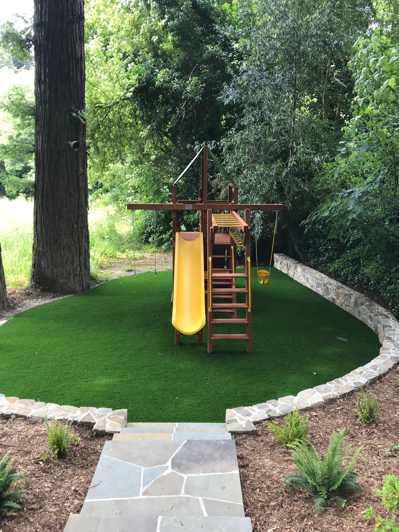 Image of: Small Yard Solutions Backyard Fun