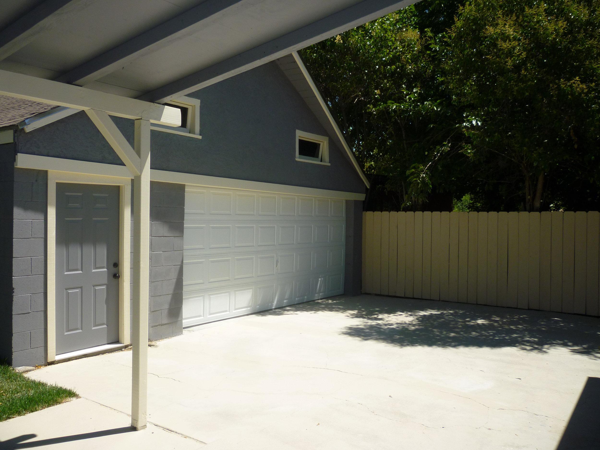 Driveway & Garage.JPG
