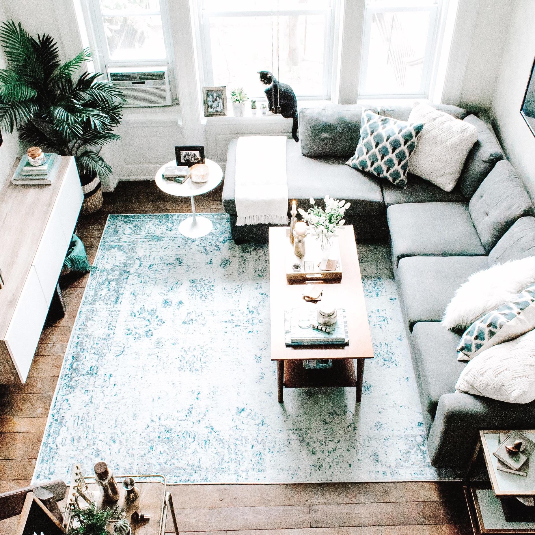 Living_Room-2_square.jpg