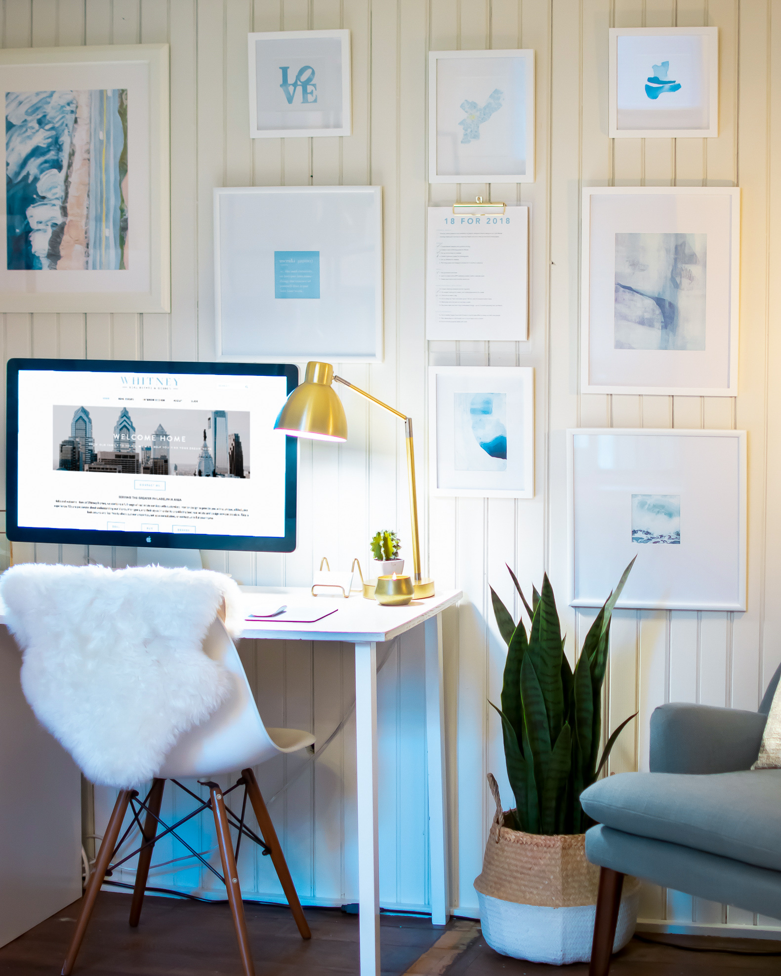 picture-frames-desk-ps.jpg