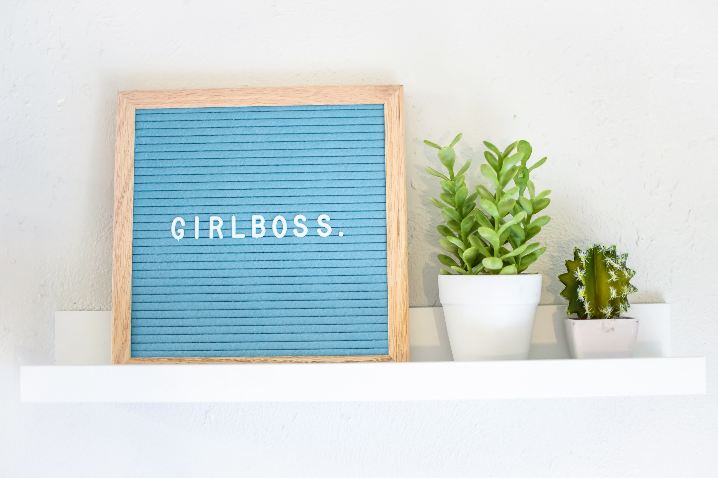 girlboss-sign-close-up-ps-2.jpg