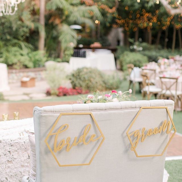 The kids are back in school and the baby is sleeping. I'm sipping on an iced coffee finally catching up on emails. I love this crazy chaotic season of life but it feels so good to have a bit of quiet. Happy Monday! Photo credits: design and planning @starhansenevents. Florals @belleoftheball_designs. Venue @hartleybotanica. 📷 @jennyquicksall