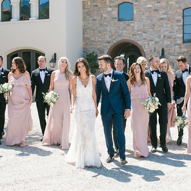 Happy one year anniversary to Danielle at Matt! Their wedding at @cielofarms was so gorgeous! They just had such a fun weekend away celebrating their anniversary- I just love staying connected to our couples, even after the wedding is over. Design and planning @starhansenevents. Venue @cielofarms. Florals @lotusandlilyfloral. 📷 @mibellephotographers