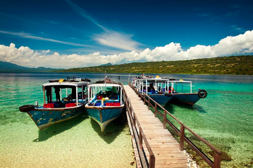 Infographic to Island Hopping Indonesia -