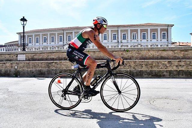 Dream. Believe. Achieve. ⚡️@giuseppemusciacchio rocking at the @deejay_xmasters Triathlon Sprint #civitanovatriathlon #trilikeadeejay