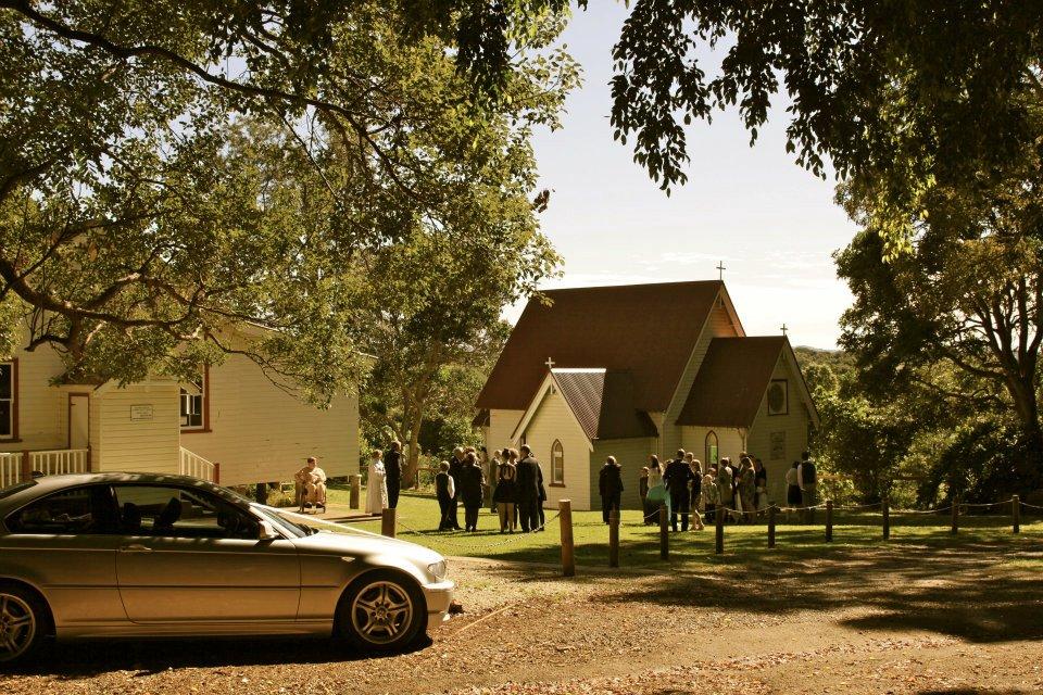 Guests Arriving at Ewingsdale Chapel