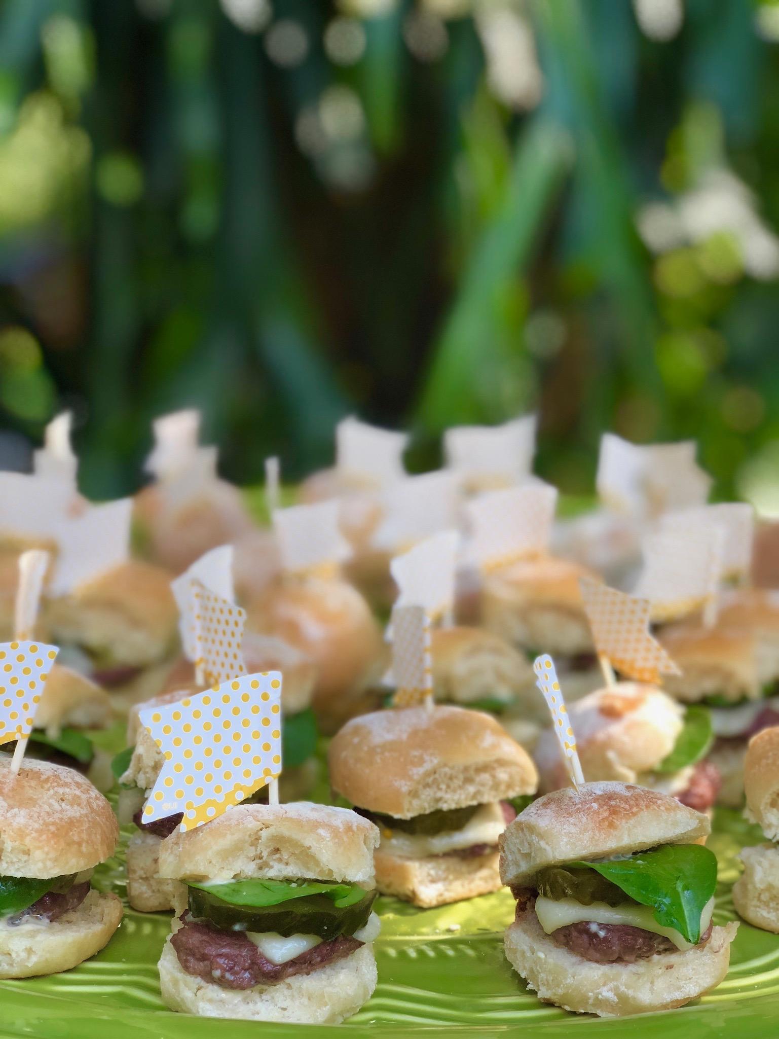 Mini burger with flag.jpg