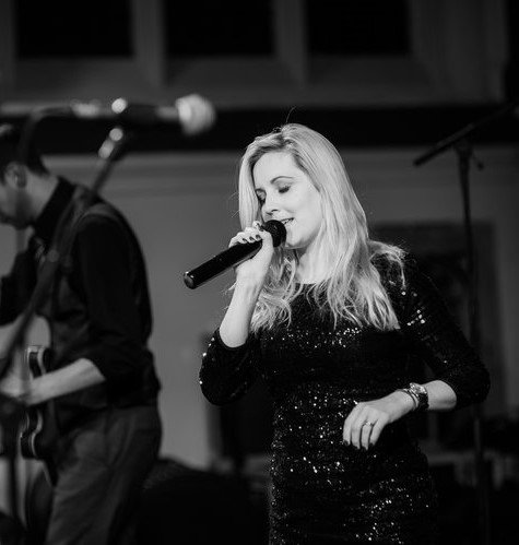 Carley_Taylormade_Acoustic_Duo