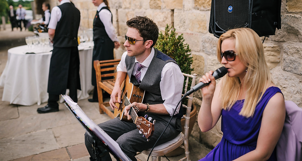 Taylormade Acoustic Duo Oxfordshire wedding music