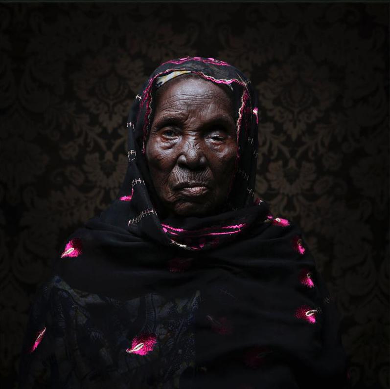 Old Woman (La Vieille) / 2016 / 150x150cm