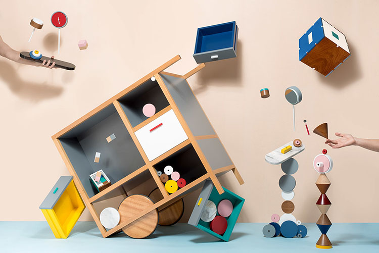 Meanwhile Curiosities by Epiforma is presented firstly in a fun layout, filled with movement. Only after going through the visual story shown in the project's presentation, is each peace of furniture presented individually.