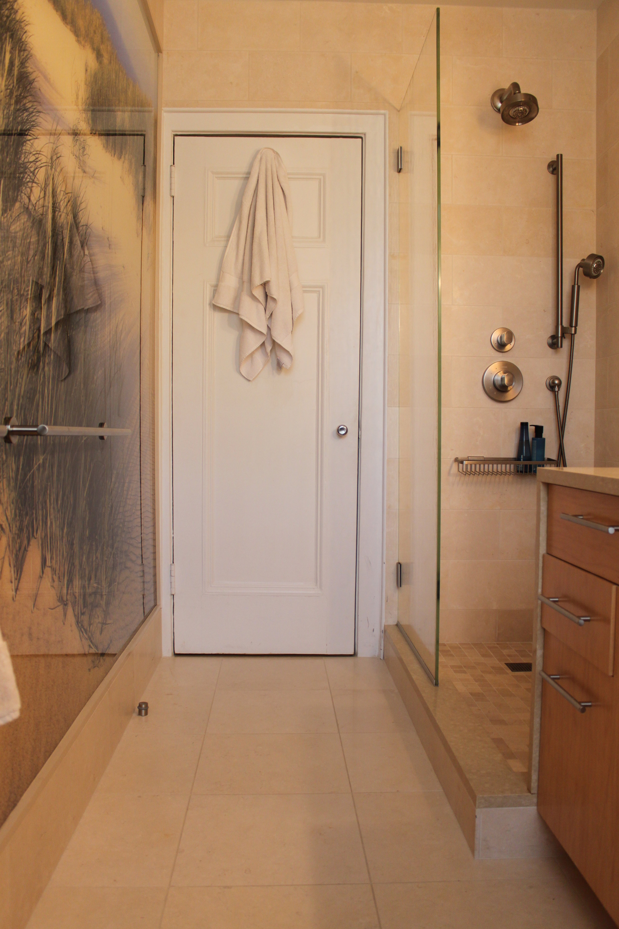Upper West Side Apartment - Bathroom Entry