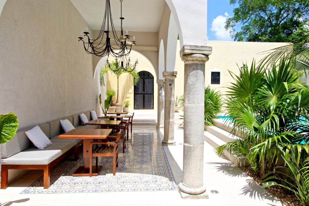 The-Diplomat-_-Lounge-1-1030x687.jpg