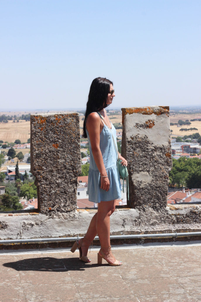evora-portugal-gothic-monument2-1-687x1030.jpg