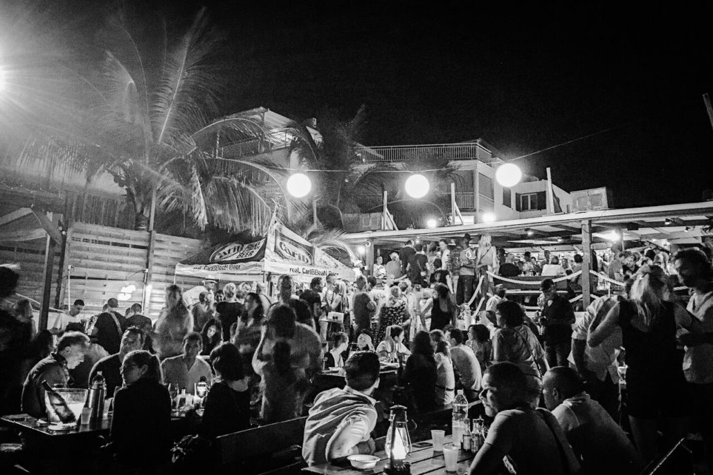Salsa night at Calmos Café spills out onto the beach