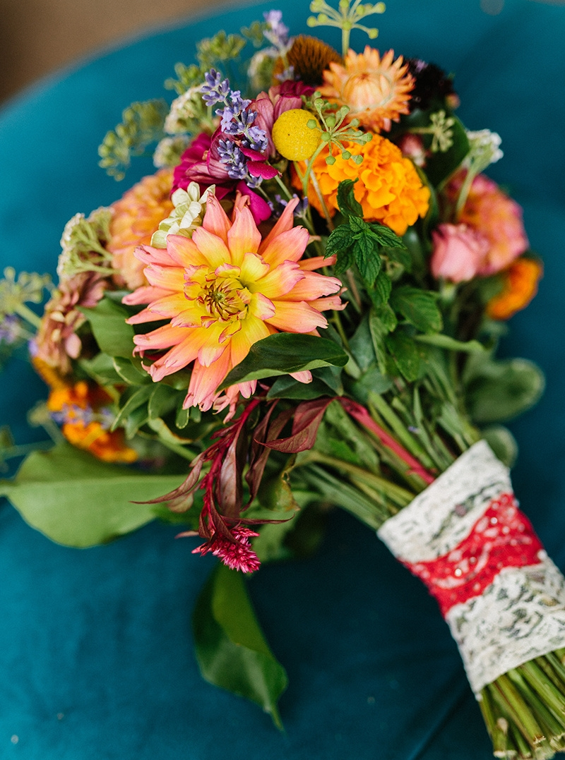 Bold Summer Bridal Bouquet