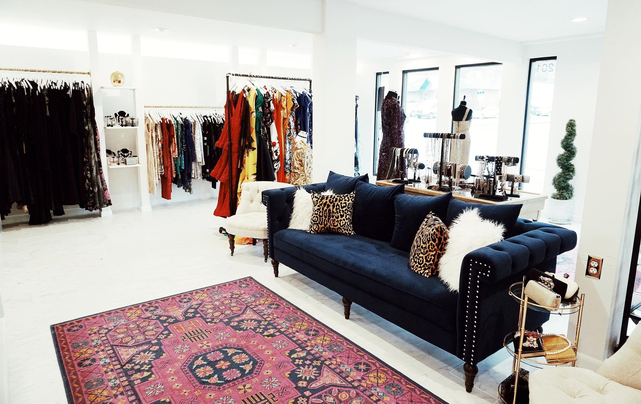 the-showroom-nashville-high-end-fashion-rentals.jpg