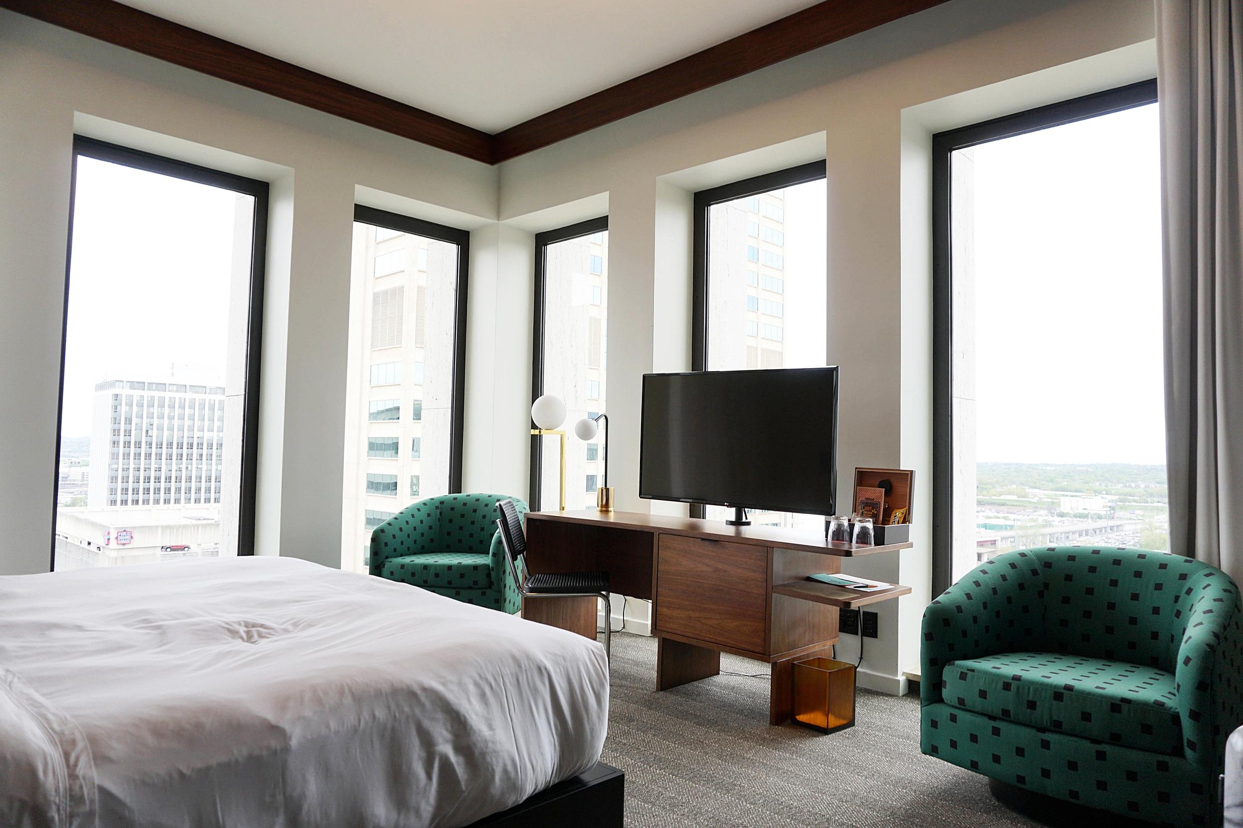 the-fairlane-nashville-tn-where-to-sleep-best-hotel.jpg