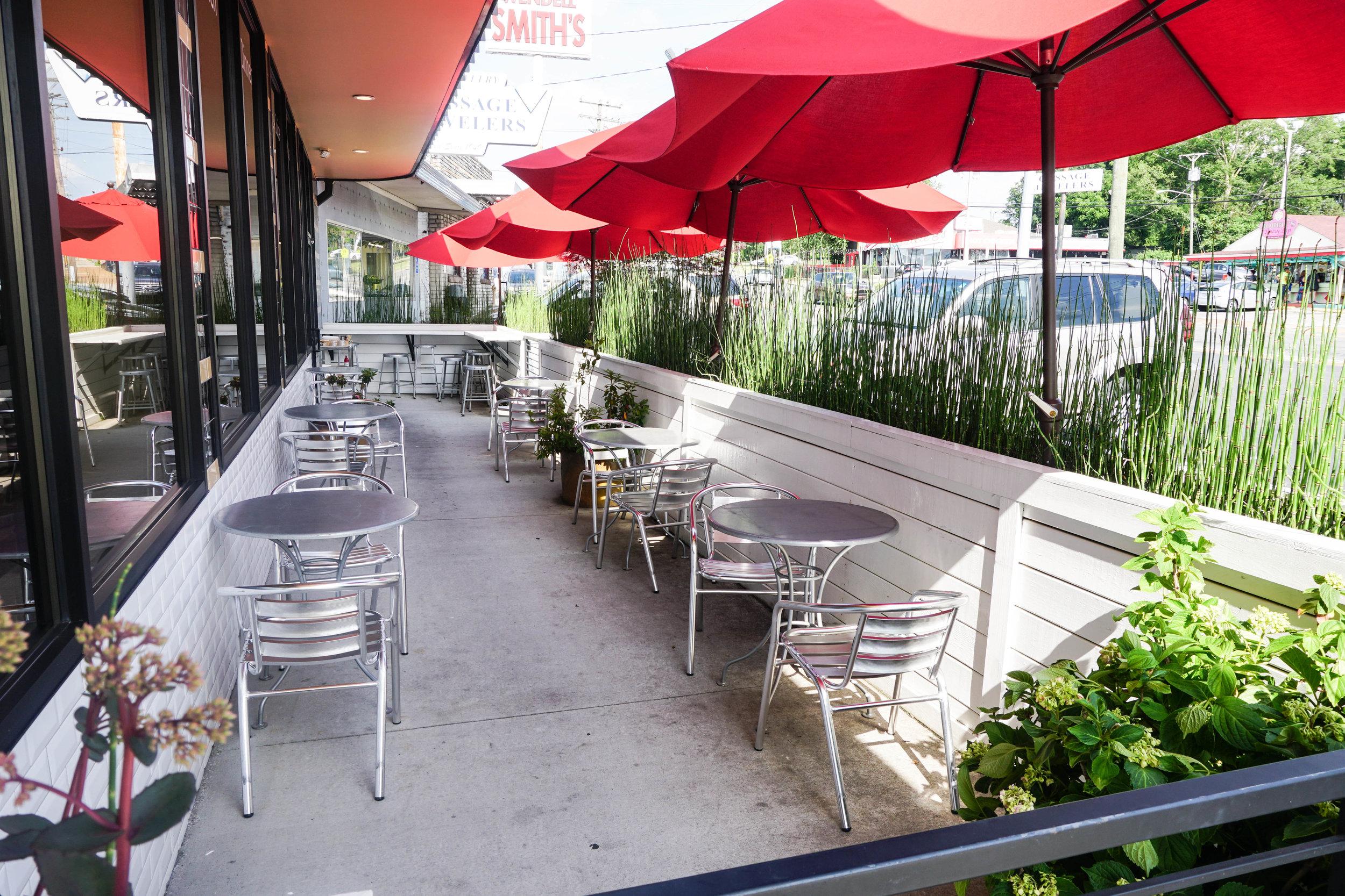 restaurant-patio-nashville-eio-and-the-hive-where-to-eat-nash-organic.jpg