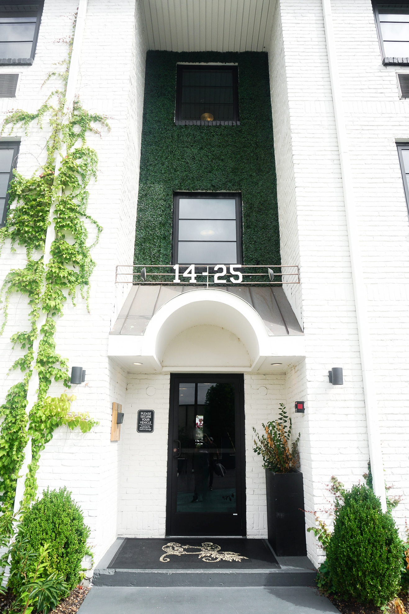 sobro-guest-house-where-to-stay-nashville.jpg